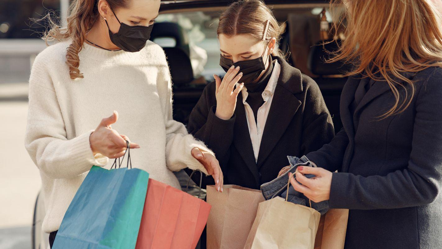 Pour concurrencer les achats en ligne, les formations techniques et liées au savoir-être professionnel sont des opportunités à saisir